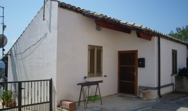 Villa San Romualdo,Castilenti,1 Bedroom Bedrooms,1 BathroomBathrooms,House,Via Gran Sasso 14,1414